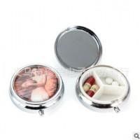 厂家直销金属环保药盒 三格滴胶圆形药丸盒HQ490720